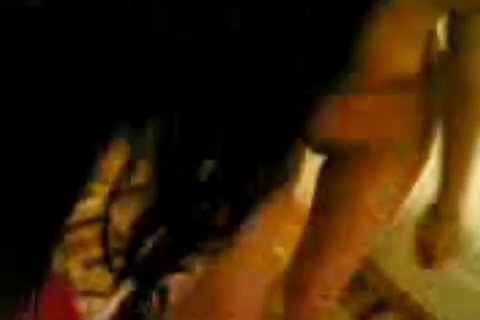 Азербайджанка позирует голая перед парнем