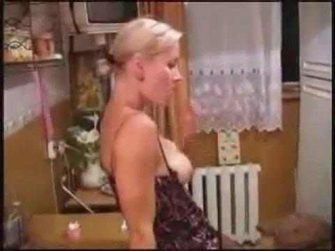 Русское домашнее порно с блондинкой
