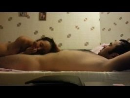 Таджикская парочка снимает домашний секс на видео камеру