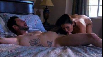 В постели таджик трахнул свою татуированную жену