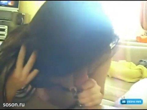 Зарина отсасывает член друга Узбека
