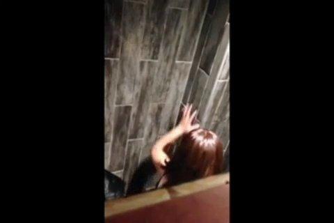 Якутский секес в туалете с красивой телкой